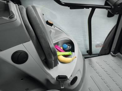 Kühlfach unter Beifahrersitz
